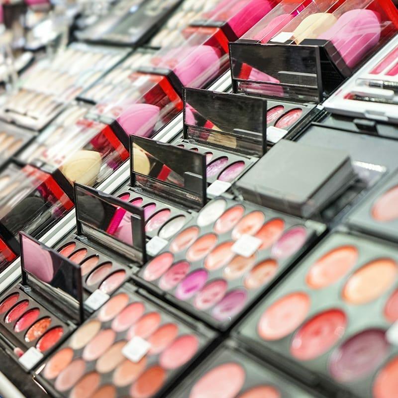 Bespaar geld op make-up
